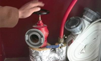 """曝光台   沿街网点房消火栓没水,居民投诉一个多月,整改令遇""""冷处理""""!"""