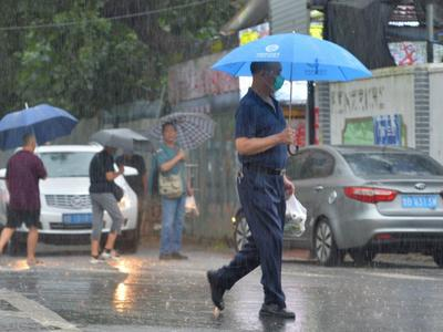 这个周末,青岛又下雨!未来三天有阵雨或雷阵雨,气温继续回落