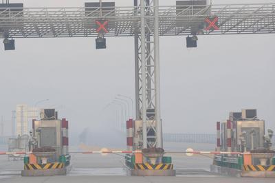 高温高湿,大雾弥漫……青岛升级大雾预警至橙色,沿海能见度小于200米
