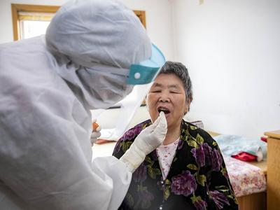 青岛核酸检测能力显著提升,本次全员检测第三方机构检测比重达56.4%