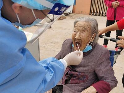 @胶州市民:核酸检测进入尾声,31个核酸采样点持续保留至18日