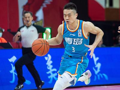 亚当斯手感全无,青岛每日优鲜男篮94:114不敌广州队遭遇七连败