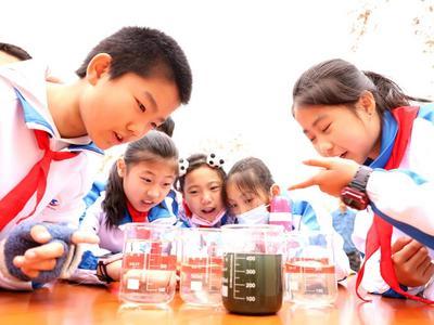 推动中小学幼儿园发展,山东省教育厅出台两个奖补办法