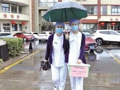 """230余订单,医患互评满意率100%!""""网约护士""""在青岛这个区备受欢迎"""