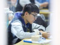 开学日:高考98天倒计时,高三学子复习忙