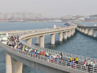 """重启""""青马""""""""海马""""、创办""""跑遍青岛""""!今年90余项全民健身赛事等你参加"""