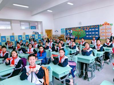 """""""神兽""""归笼!直击青岛中小学开学日"""