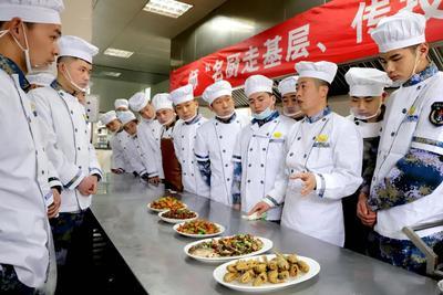 """炊事班技术哪家强?瞧瞧北海舰队的名厨走基层   兵备战注入""""胃动能"""""""