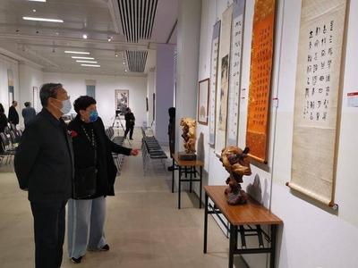 """观赏石、青铜器、古玉……青岛藏家的宝贝""""家底""""都在这场展览里了"""