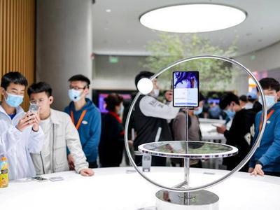 """""""不怵""""苹果、三星等国际大牌,国产手机""""组团""""冲击高端市场"""