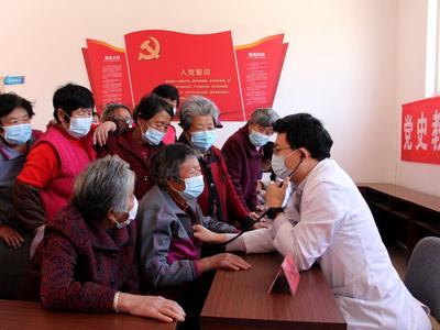 青岛基本公共卫生服务亮出成绩单:12类服务项目免费,人均补助经费提至79元