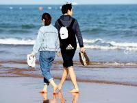 初夏将至,青岛的海滩怎一个美字了得