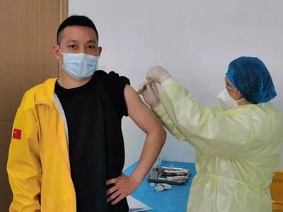 新冠疫苗5月开始收费?病毒变异导致疫苗失效?谣言!真相是……