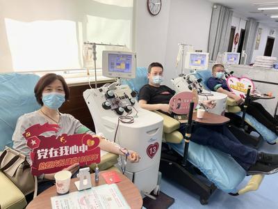 医者仁心!青岛海慈医院输血科五名医生集体撸袖捐献血小板