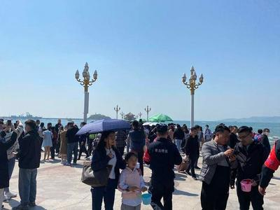 青岛旅游市场稳步恢复,小长假第一天32.83万人乐游青岛