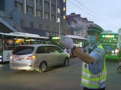端午期间,青岛查处各类交通违法行为2.09万余起