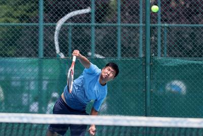 不惧高温挥汗赛场!健康网球系列赛开打:这些选手们拼啦!