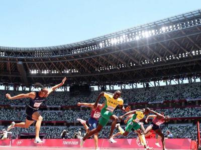 牙买加选手男子110米跨栏夺金,网友:奥运纪录还是刘翔的