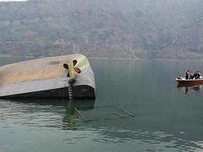 云南玉龙发生沉船事故:1人自救上岸,5人下落不明