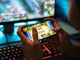 """玩游戏也""""调休""""!腾讯网易发布国庆假期未成年人游戏限玩时间通知"""