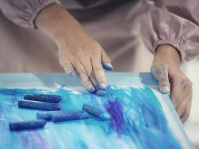 青岛市中小学生暑假绘画比赛复赛举行,获奖名单将于近日公布